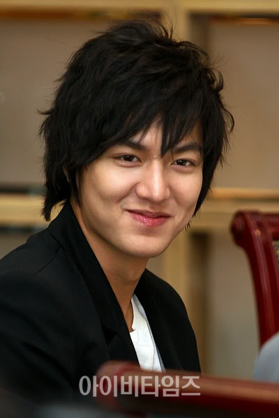 http://4get2remember.files.wordpress.com/2009/09/lee-min-ho-13.jpg
