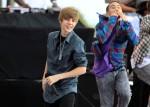 Justin+Bieber+Performs+Live+CBS+News+Early+a6f1m_z5k_8l