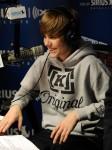 Justin+Bieber+Visits+SIRIUS+XM+Radio+gXNuXQQuES_l