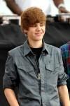 Teen+singing+sensation+Justin+Bieber+performs+jyFuj5wG-zLl